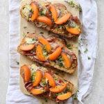 Grzanki z morelami i gorgonzolą